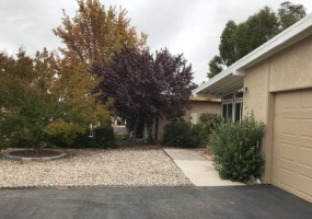1838 Lark Ellen Dr, Paso Robles, California 93446, 2 Bedrooms Bedrooms, ,2 BathroomsBathrooms,Home,Sold,Lark Ellen Dr,1016